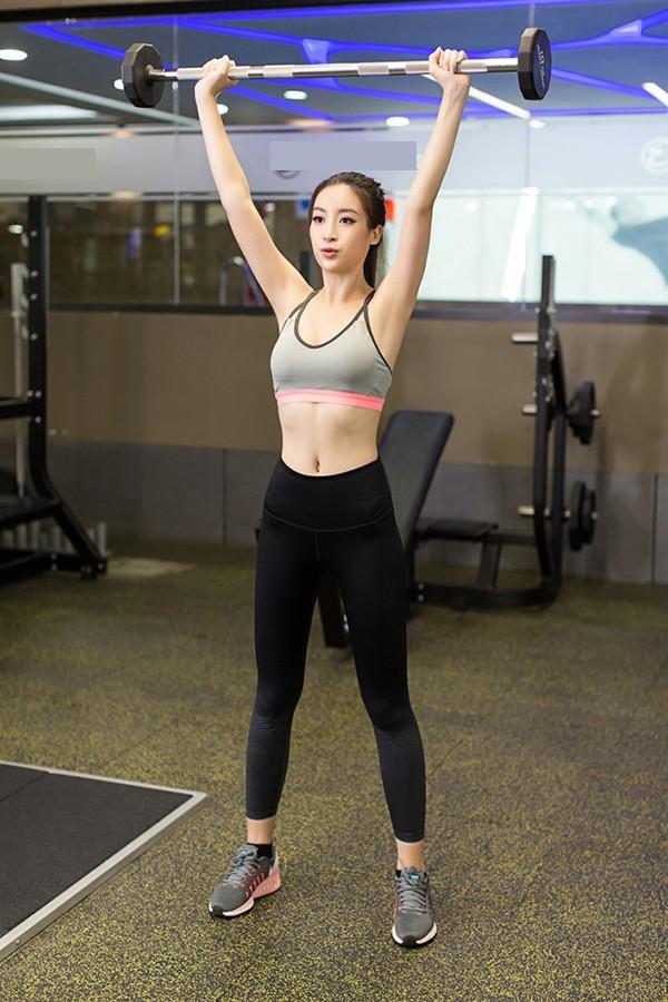 Chiêu đứng tạo dáng gợi cảm đã xưa rồi, giờ sao Việt toàn tranh thủ các động tác tập gym hay yoga để khoe body sexy - Ảnh 8.