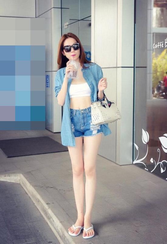 Những người đẹp Việt rất trung thành với một hãng túi hiệu - Ảnh 6.