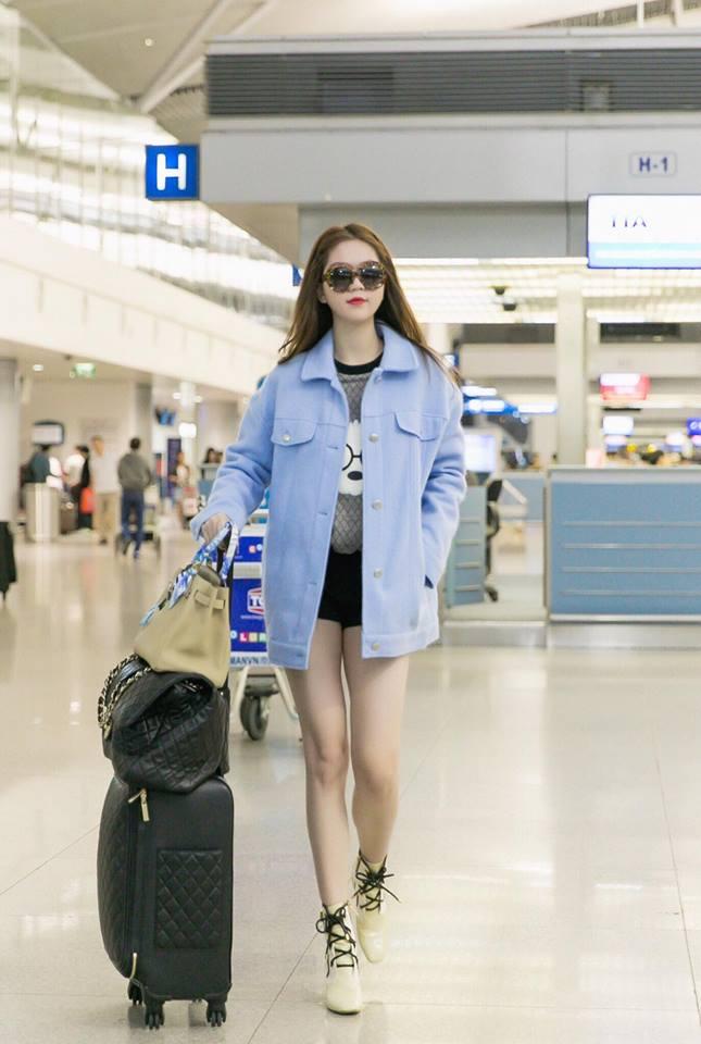 Những người đẹp Việt rất trung thành với một hãng túi hiệu - Ảnh 7.