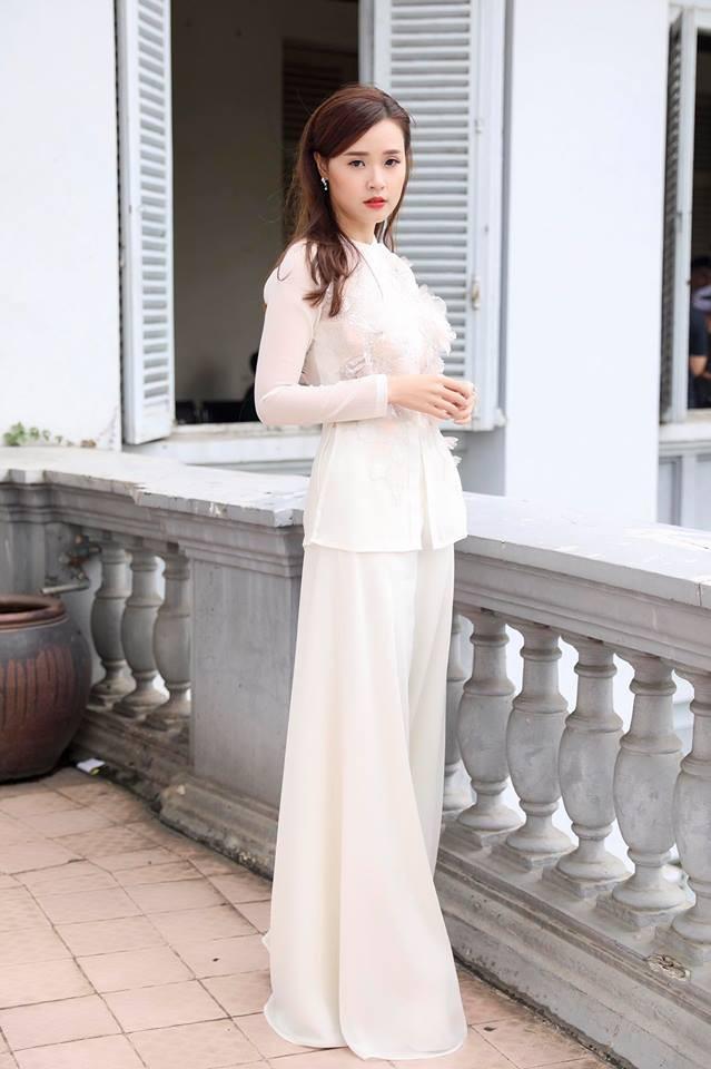 Điểm chung giữa phong cách thời trang và nhan sắc của Midu và tình mới Phan Thành - Ảnh 11.