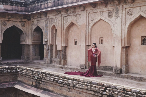 Vừa ra mắt, nhưng 2 MV ca nhạc này đã cân cả showbiz Việt về khoản đầu tư trang phục - Ảnh 28.
