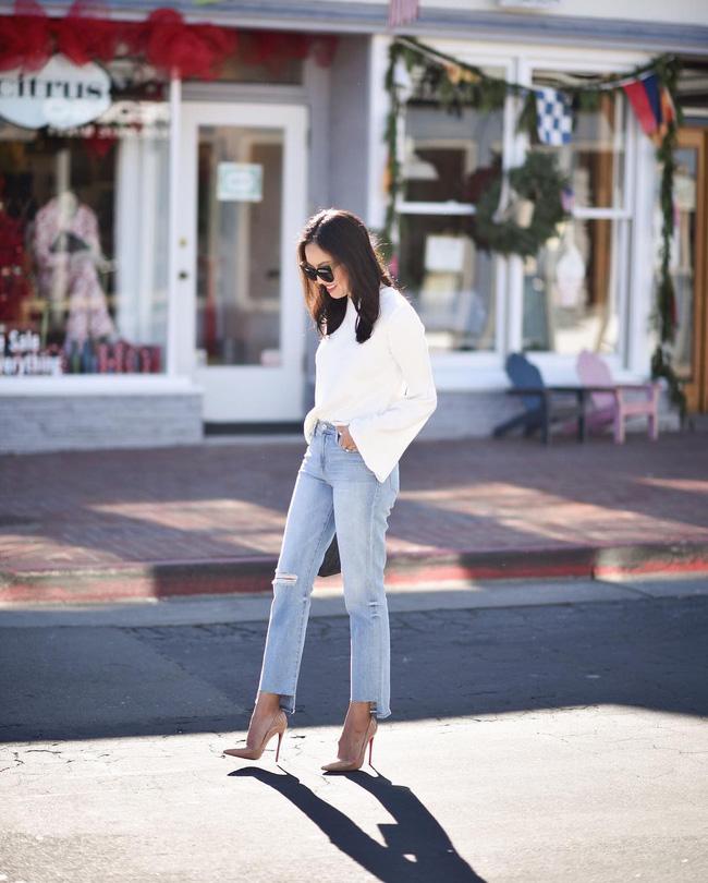 Áo phông, quần jeans, dép lê... đồ đi chơi mà diện đi làm vẫn đẹp, thanh lịch miễn chê! - Ảnh 16.