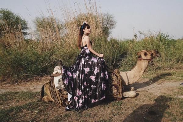 Vừa ra mắt, nhưng 2 MV ca nhạc này đã cân cả showbiz Việt về khoản đầu tư trang phục - Ảnh 23.