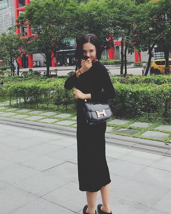 Những người đẹp Việt rất trung thành với một hãng túi hiệu - Ảnh 55.