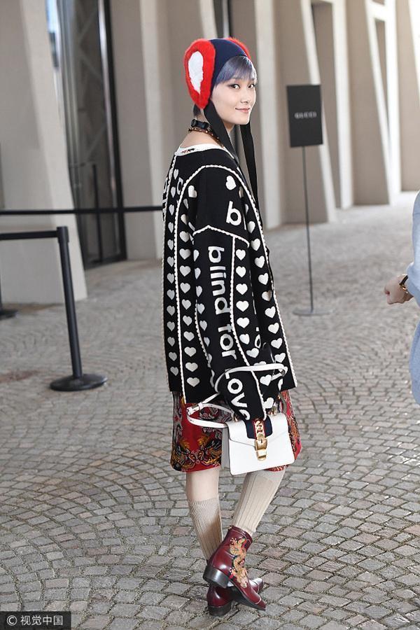 Lưu Thi Thi diện đồ ngầu, để tóc ngắn tua tủa nổi bật tại Tuần lễ thời trang Milan - Ảnh 11.