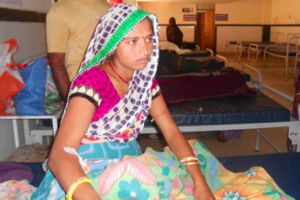 Em bé sinh non 24 tuần tuổi bất ngờ sống dậy vài giây trước khi gia đình hỏa táng - Ảnh 2.