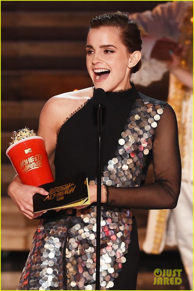 MTV Awards: Beauty and the Beast thắng phim của năm, Emma Watson sẵn tiện ẵm luôn giải diễn viên xuất sắc. - Ảnh 2.