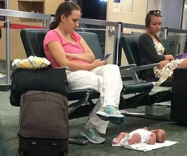 Bà mẹ này đã có 1 năm đầy ám ảnh chỉ vì bức ảnh bị chụp lén đăng trên mạng xã hội - Ảnh 1.
