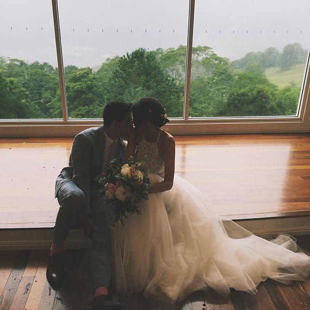 Đám cưới này sẽ đập tan định kiến nghĩ rằng những cặp đôi thích thể hiện tình yêu qua MXH đều không có hậu - Ảnh 12.