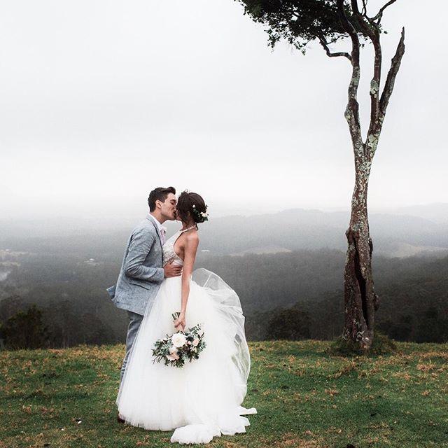 Đám cưới này sẽ đập tan định kiến nghĩ rằng những cặp đôi thích thể hiện tình yêu qua MXH đều không có hậu - Ảnh 11.