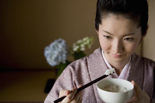 Học lỏm 10 bí mật làm đẹp của các geisha để xinh đẹp trẻ lâu như phụ nữ Nhật - Ảnh 4.