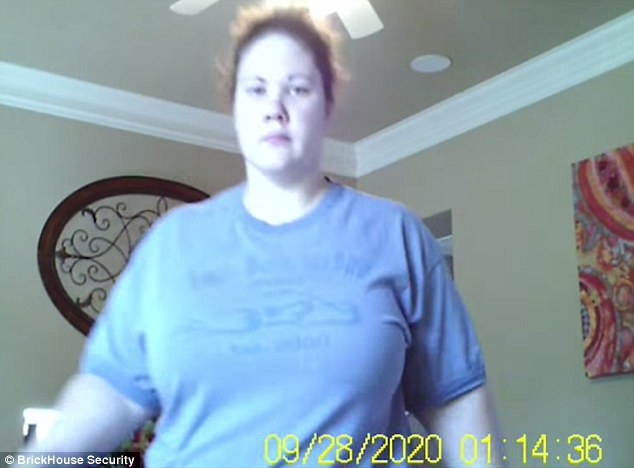 Nhận ra con có những biểu hiện kì lạ, mẹ liền xem camera và lập tức gọi cảnh sát - Ảnh 5.