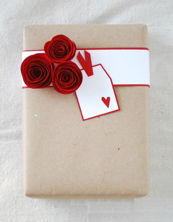Mách bạn 3 cách tô điểm cho gói quà yêu càng thêm yêu - Ảnh 9.