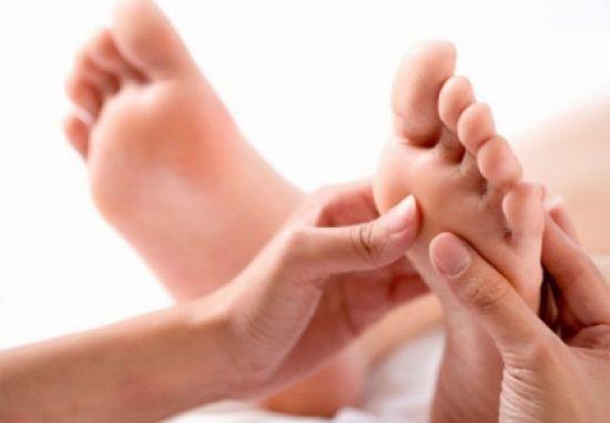 Những triệu chứng của bệnh hạ canxi, kiểm tra ngay để đối phó kịp thời nếu bạn không muốn gặp biến chứng nặng - Ảnh 2.