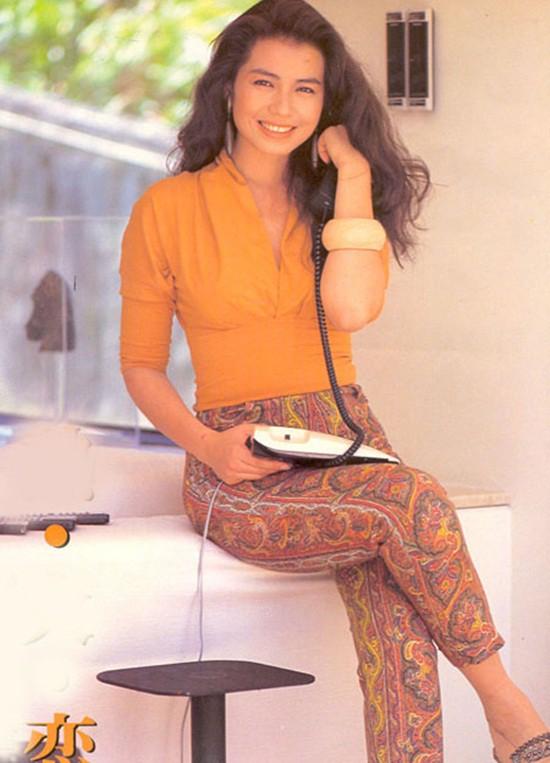 Chung Sở Hồng: Từ cô đào Hong Kong nóng bỏng giải nghệ để làm vợ đại gia đến góa phụ quyến rũ - Ảnh 5.