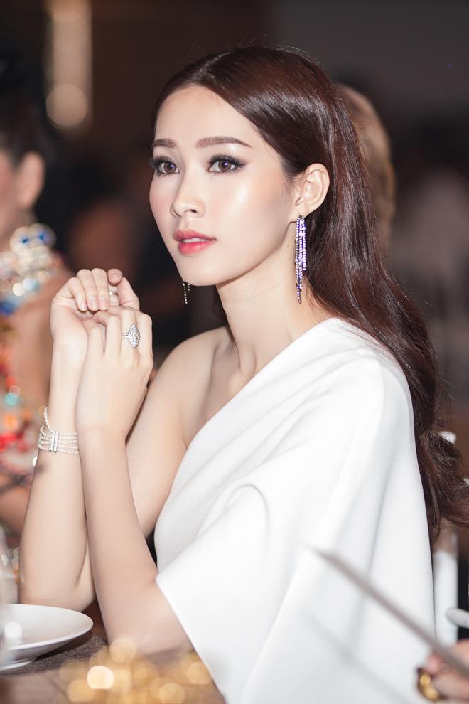 Lâu lâu mới xuất hiện, Hoa hậu Thu Thảo khiến nhiều người bất ngờ với diện mạo mới - Ảnh 3.
