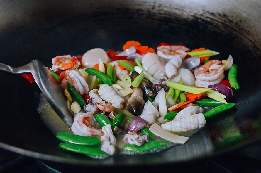 Mách bạn cách làm món ngon với hải sản tổ chim cho ngày Tết ngon như nhà hàng ảnh 7