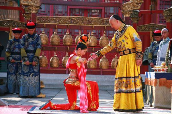 Hàm Hương - phi tần được vua Càn Long sủng ái hết mực trong Hoàn Châu Cách Cách - Ảnh 5.