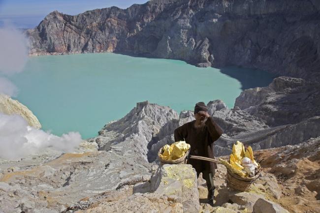 Những hồ nước tưởng đẹp hiền hòa mà ẩn chứa mối nguy hiểm đáng sợ - Ảnh 3.