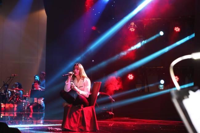 Hồ Ngọc Hà ngầm thừa nhận tình cảm với Kim Lý trong liveshow ca nhạc - Ảnh 2.