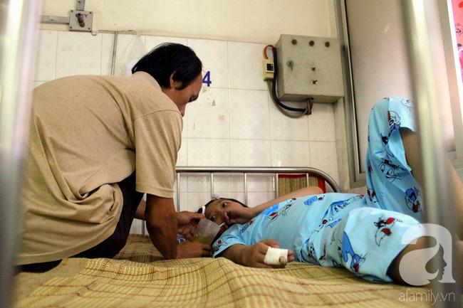 Tết trong bệnh viện: Chỉ cần con khỏi bệnh thì Tết đã quá đủ đầy - Ảnh 9.