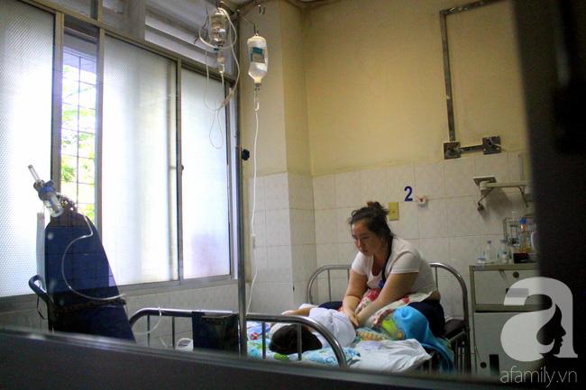 Tết trong bệnh viện: Chỉ cần con khỏi bệnh thì Tết đã quá đủ đầy - Ảnh 2.