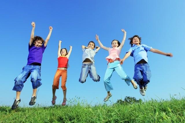 Điều bố mẹ cần dạy con bây giờ không phải là kiến thức sách vở nữa, mà là 5 giá trị sau - Ảnh 1.