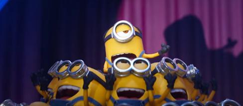 Màn hát hò hài bá đạo của đội quân áo vàng Minion - Ảnh 2.