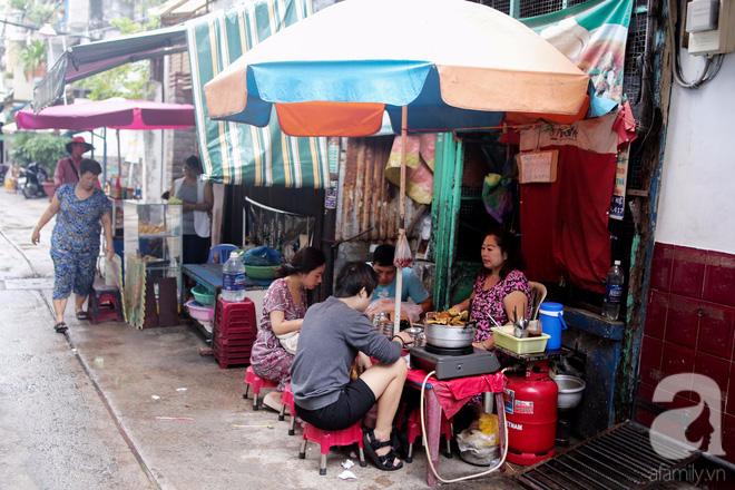 Chuyện cô Ba Sài Gòn có nụ cười giòn tan: Bán phá lấu 28 năm, nuôi 7 miệng ăn và mua nhà 3 tỷ - Ảnh 11.