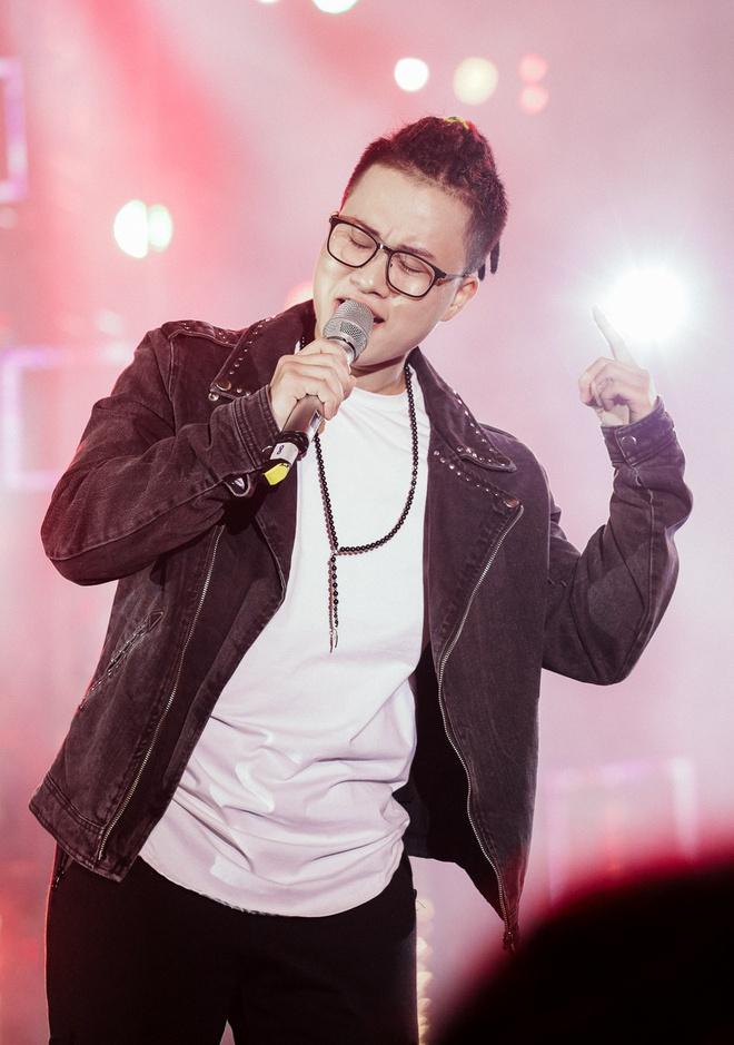 Sơn Tùng M-TP khiến fan phát cuồng vì biểu cảm nhắng nhít cực yêu - Ảnh 6.