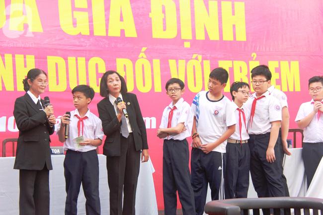 TP.HCM: Xử án xâm hại tình dục trẻ em ngay trong trường học để giáo dục các em học sinh - Ảnh 15.