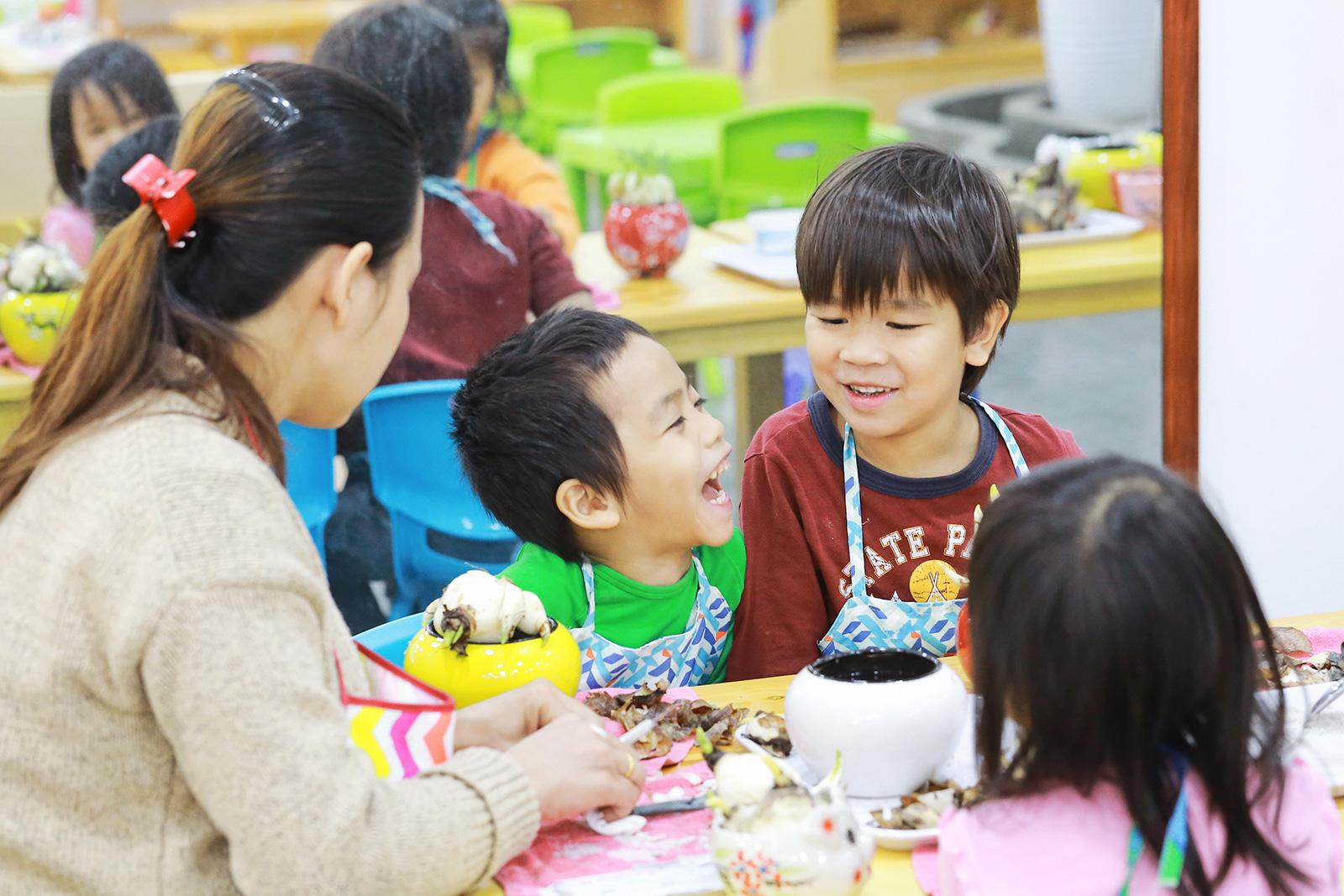 """""""Nơi cá không phải leo cây"""": Trường mầm non hay ốc đảo bình yên dành cho những em bé hạnh phúc? - Ảnh 7."""