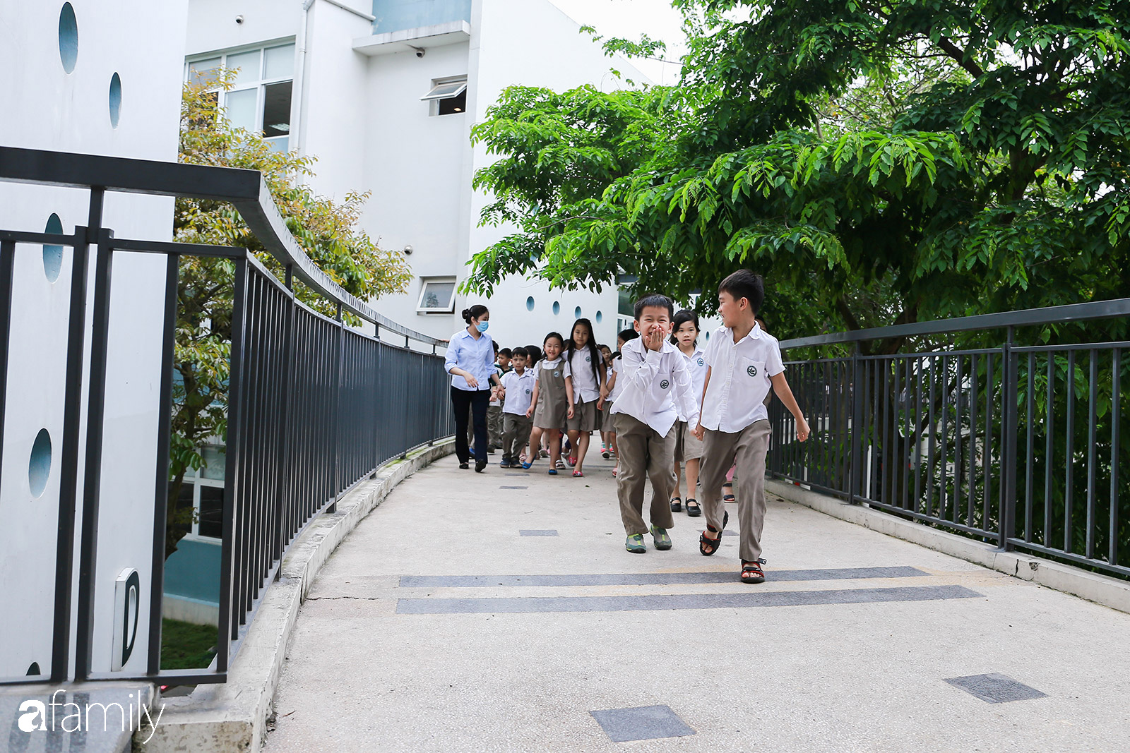 Đoàn Thị Điểm Ecopark: ngôi trường của những niềm vui xanh, nơi lũ trẻ được vui chơi trong bầu không khí mát lành - Ảnh 5.