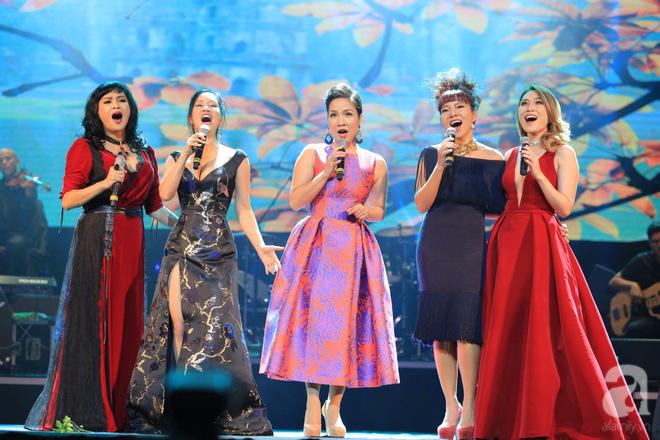 Choáng ngợp trước màn hợp ca của Mỹ Tâm cùng bộ tứ diva Việt - Ảnh 2.