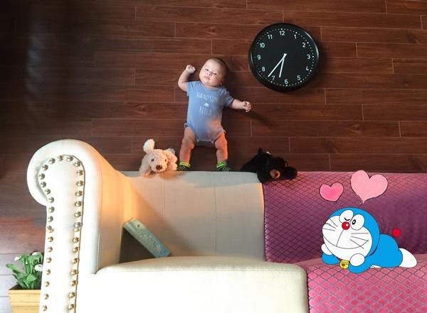 Học lỏm ông bố thích chụp hình thực hiện bộ ảnh cho con đẹp không đụng hàng - Ảnh 1.
