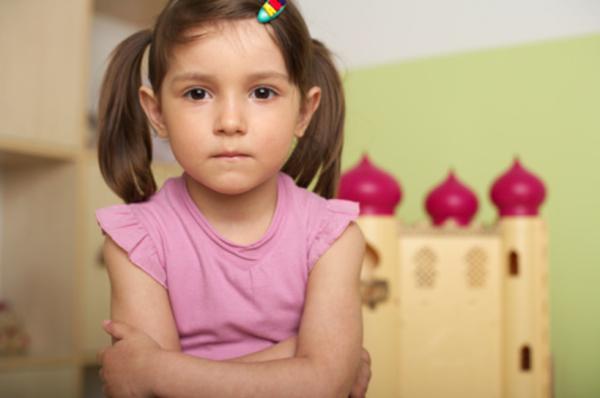 Thay vì bắt con nói Xin lỗi!, cha mẹ thông thái sẽ làm như thế này - Ảnh 1.