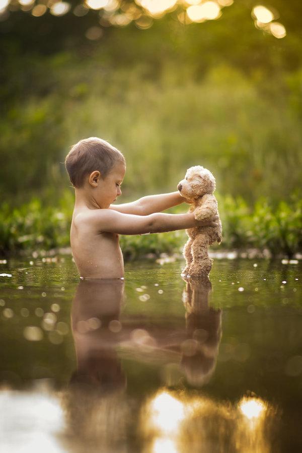 Phát hờn với bộ ảnh tuyệt đẹp bố chụp con trai trong nông trại - Ảnh 6.