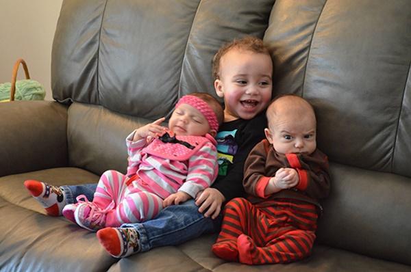 Không thể nhịn cười với những biểu cảm bá đạo của bé - Ảnh 10.