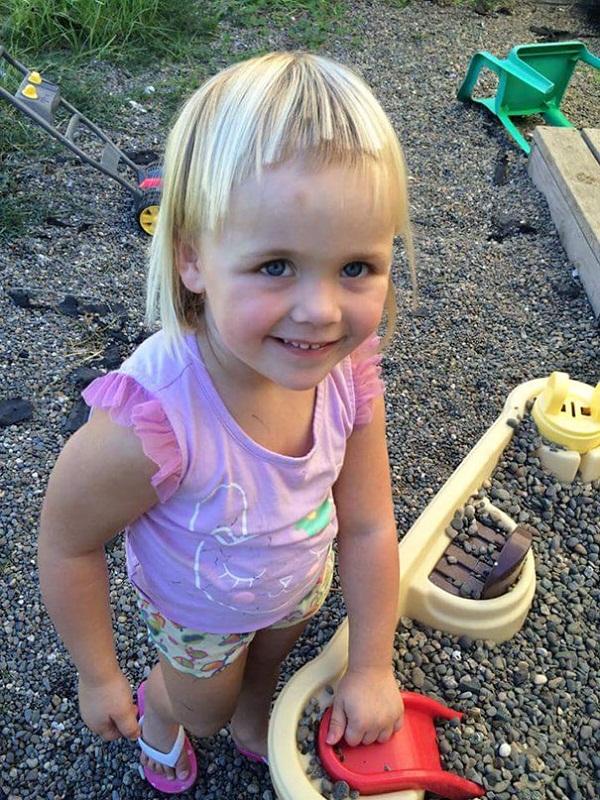 Cười vỡ bụng với những bé muốn đoạt giải cây kéo vàng bằng cách tự cắt tóc - Ảnh 14.