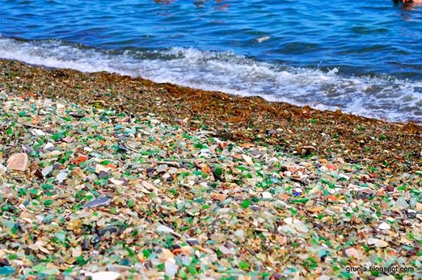 Không thể tin bờ biển đầy ngọc quý với đủ màu sắc lấp lánh này lại là... - Ảnh 5.