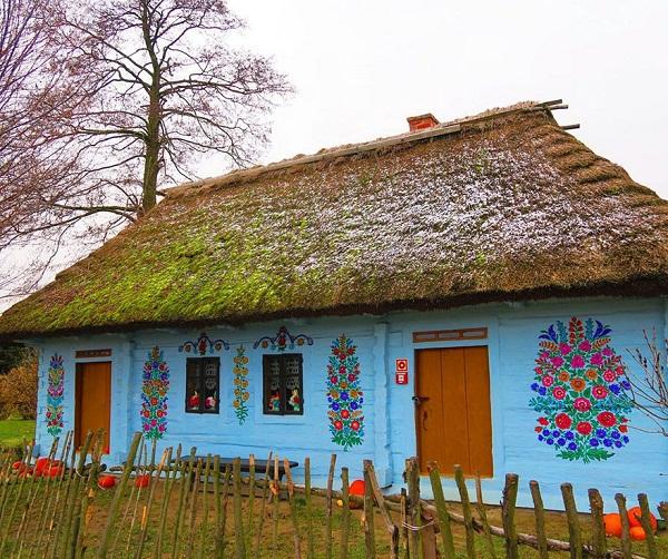 Ngôi làng đẹp lạ lùng mỗi tường nhà đều là một bức họa đầy màu sắc - Ảnh 8.