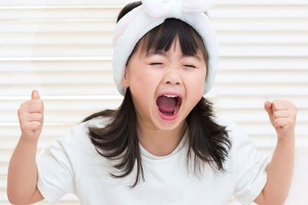Nếu con bạn là đứa trẻ NGOAN Ở TRƯỜNG nhưng HƯ Ở NHÀ thì bố mẹ hãy vui lên, bởi vì... - Ảnh 4.