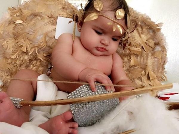 Mẹ kì công lên ý tưởng chụp ảnh đẹp lung linh cho con mỗi tháng - Ảnh 9.