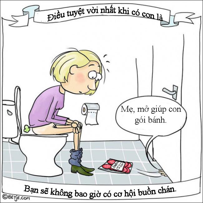 Làm mẹ nghĩa là... đi vệ sinh cũng không bao giờ yên - Ảnh 1.