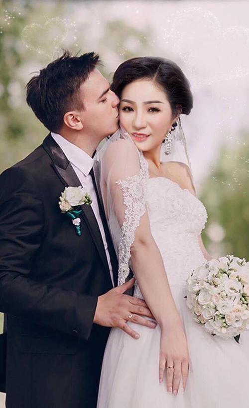 Danh hài Thúy Nga lên tiếng về bức ảnh cưới lần 2 - Ảnh 1.