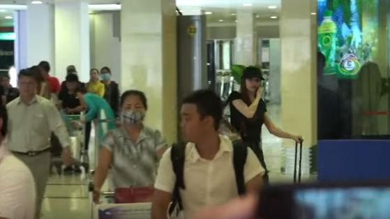 Hồ Ngọc Hà xuất hiện ở sân bay giữa lùm xùm bị Minh Hằng tố chèn ép tại The Face - Ảnh 2.