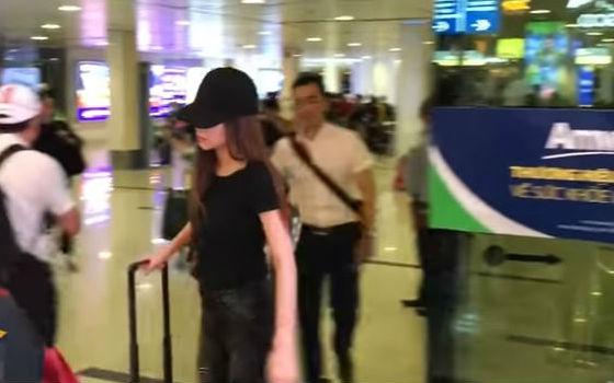 Hồ Ngọc Hà xuất hiện ở sân bay giữa lùm xùm bị Minh Hằng tố chèn ép tại The Face - Ảnh 4.