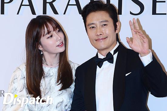 Vợ chồng Kwon Sang Woo và vợ chồng Lee Byung Hun tình tứ tại sự kiện - Ảnh 5.