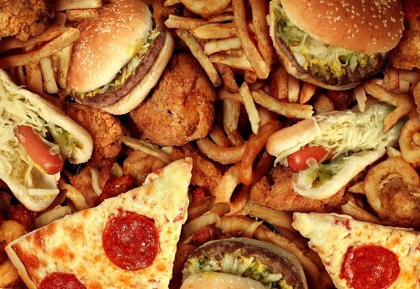 Ngộ nhận sai lầm từ những đồ bổ béo mà cha mẹ cho con ăn hàng ngày khiến trẻ dậy thì sớm - Ảnh 3.