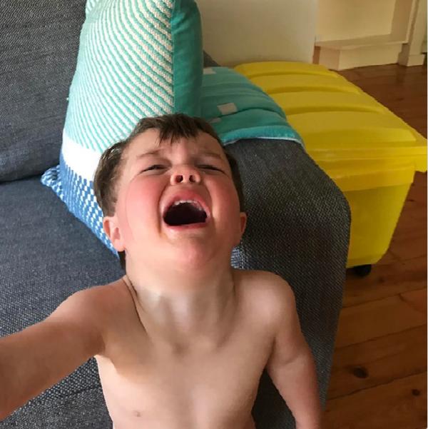 Bật cười với những bức ảnh chứng minh làm trẻ con không dễ đâu nhé - Ảnh 7.